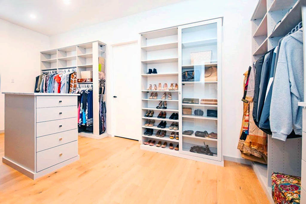 Custom bedroom closets - SpaceManager Closets