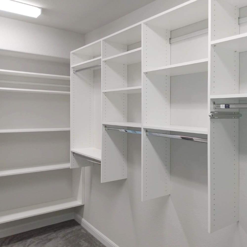 Custom closet features3
