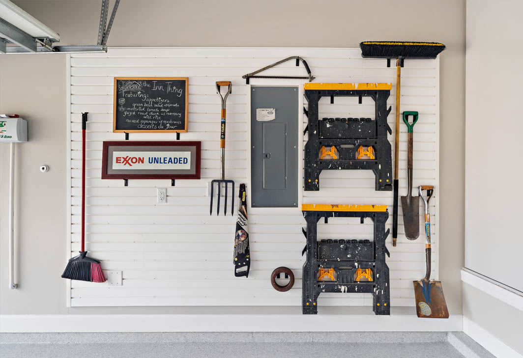 Garage slatwall and cabinets